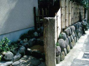 御簾垣(みすがき)と石樋(いしとい)その2